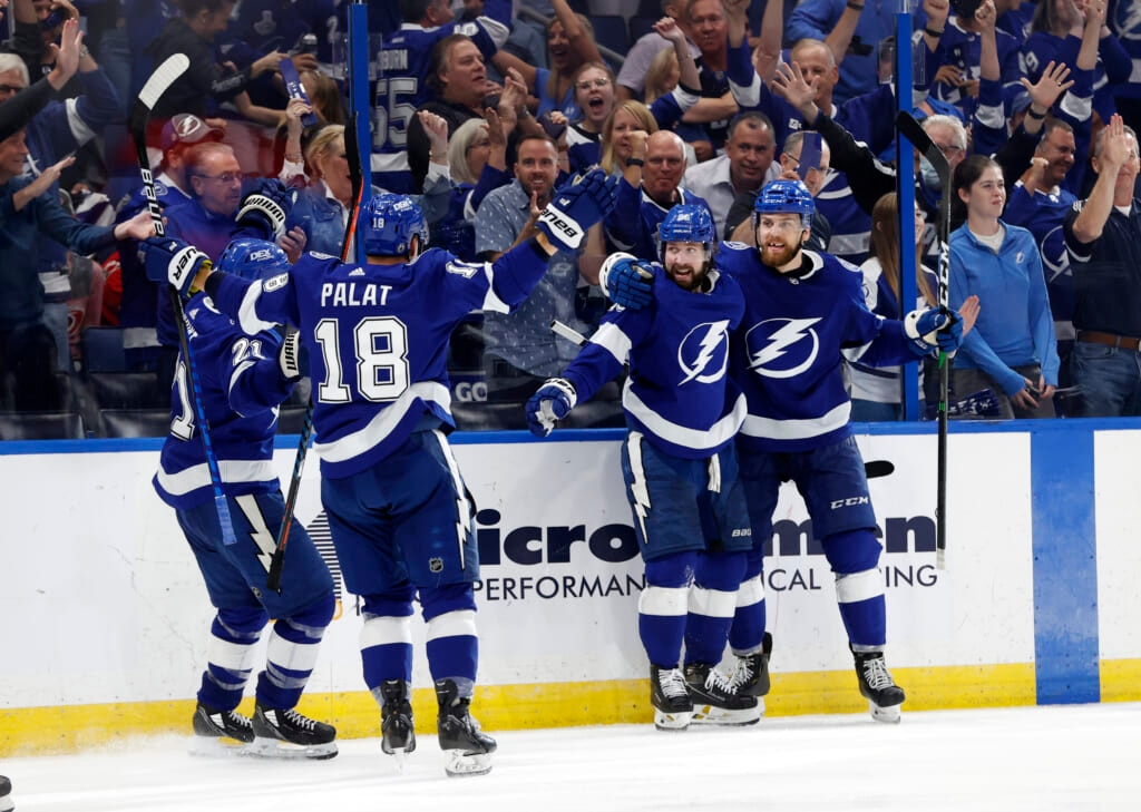 lightning offense picks up win