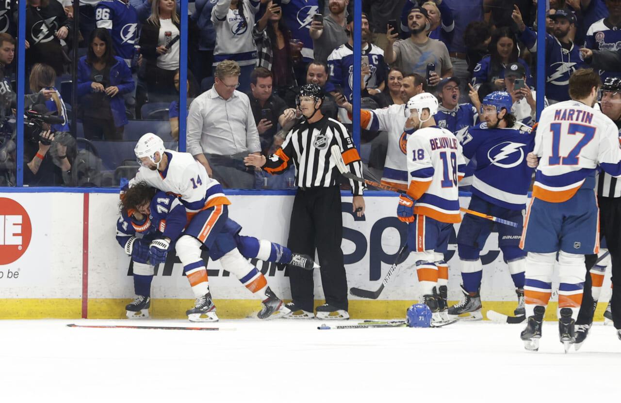 Lightning enter hostile territory against Islanders in Game 3